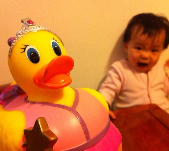 是誰在製造香港小填鴨?:讀《買錯玩具教錯仔》