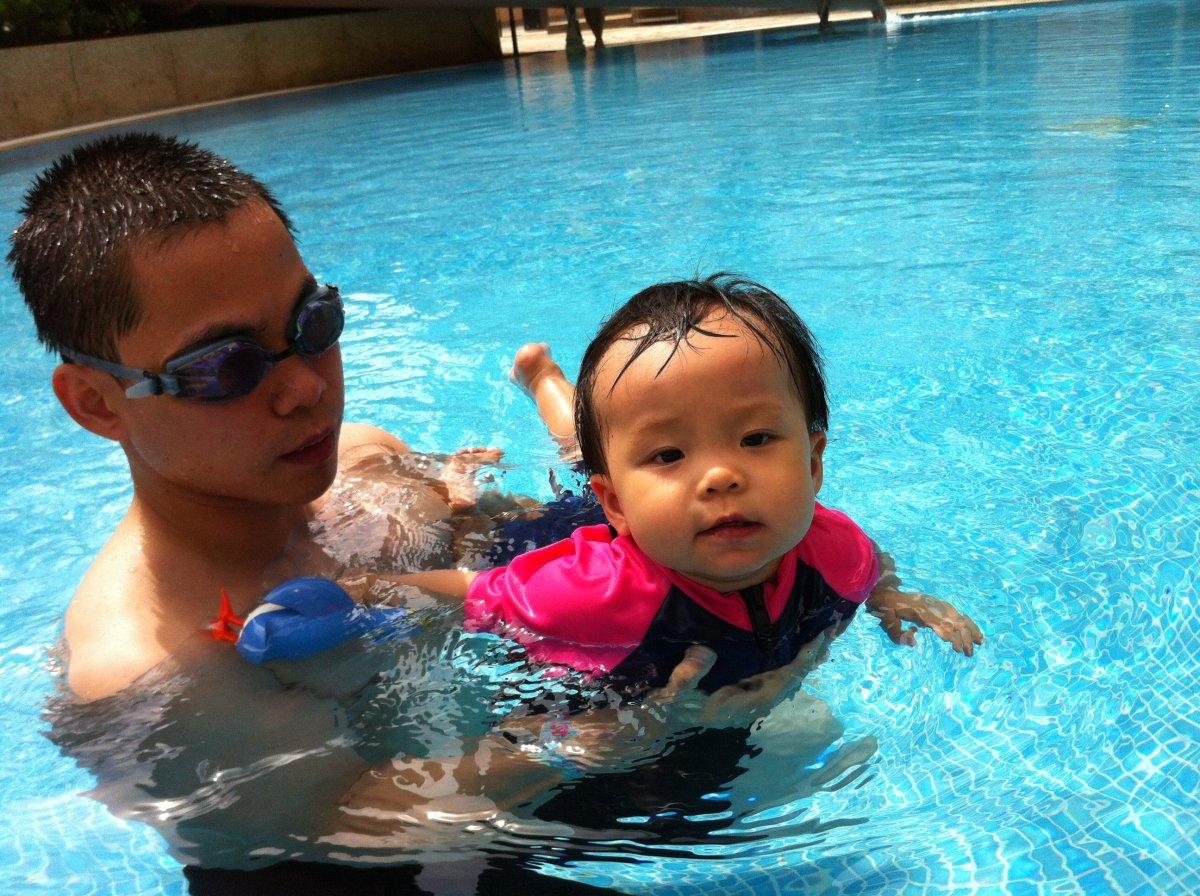 小人兒夏水禮三寶:潛泳衣、紙泳褲與發條企鵝