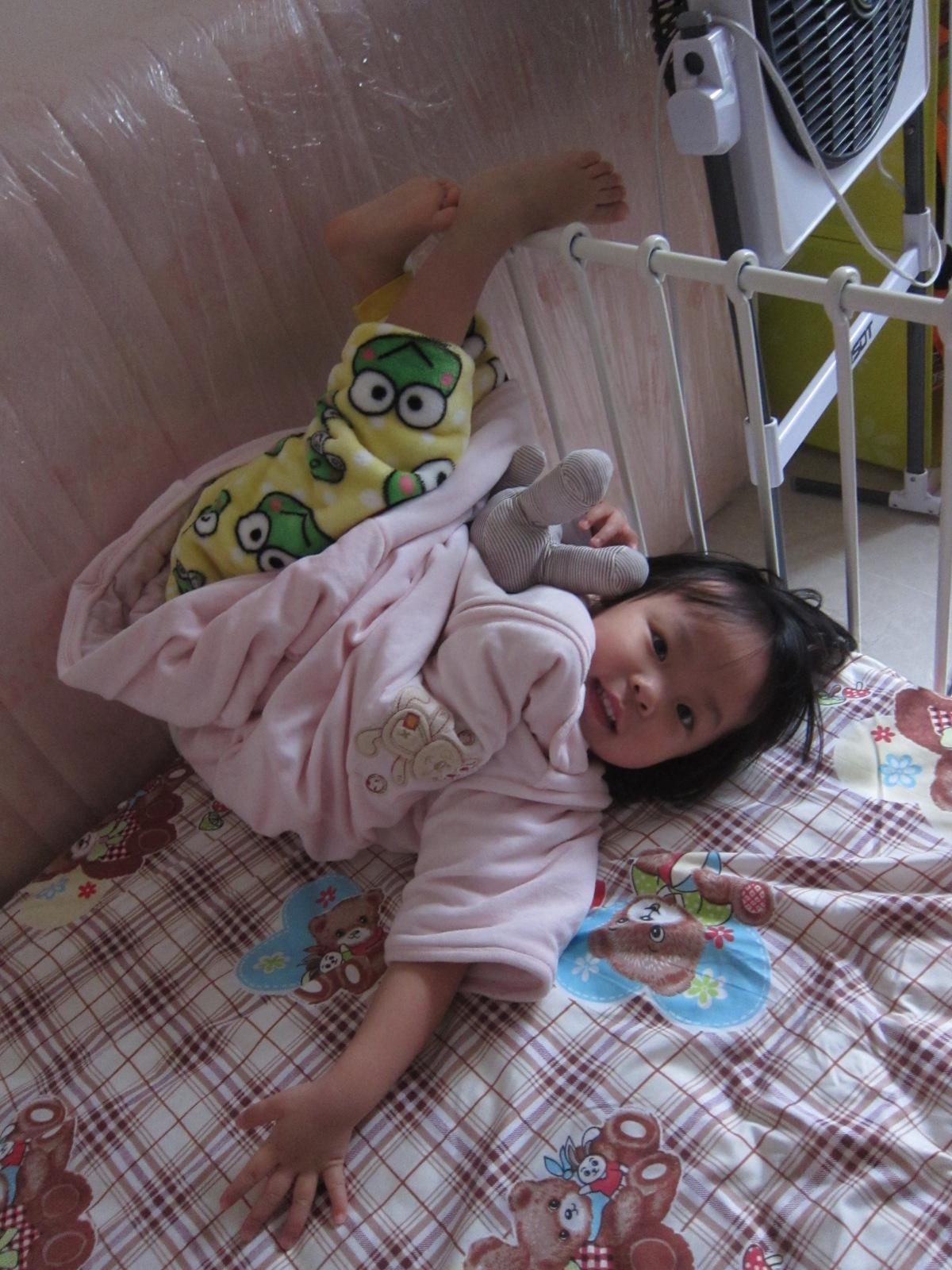 橫直斜睡沒難度:宜家伸縮兒童床