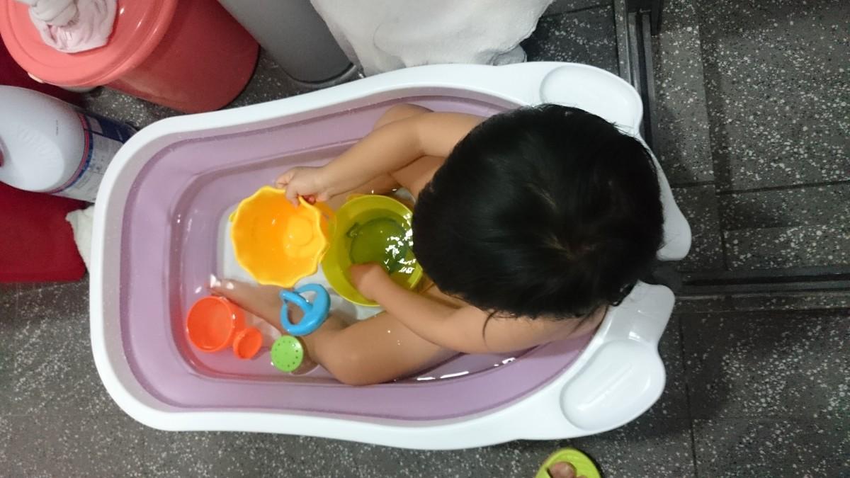 大小孩子齊泡澡:Karibu摺疊浴盆