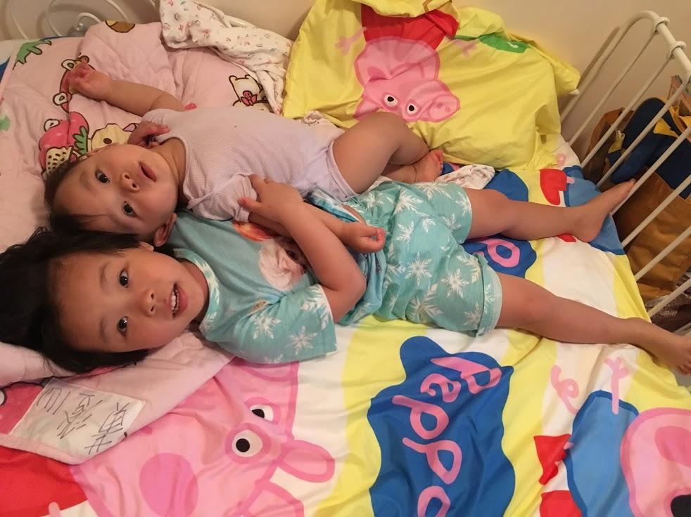 天使在細節:二胎媽媽引導小姊弟相處